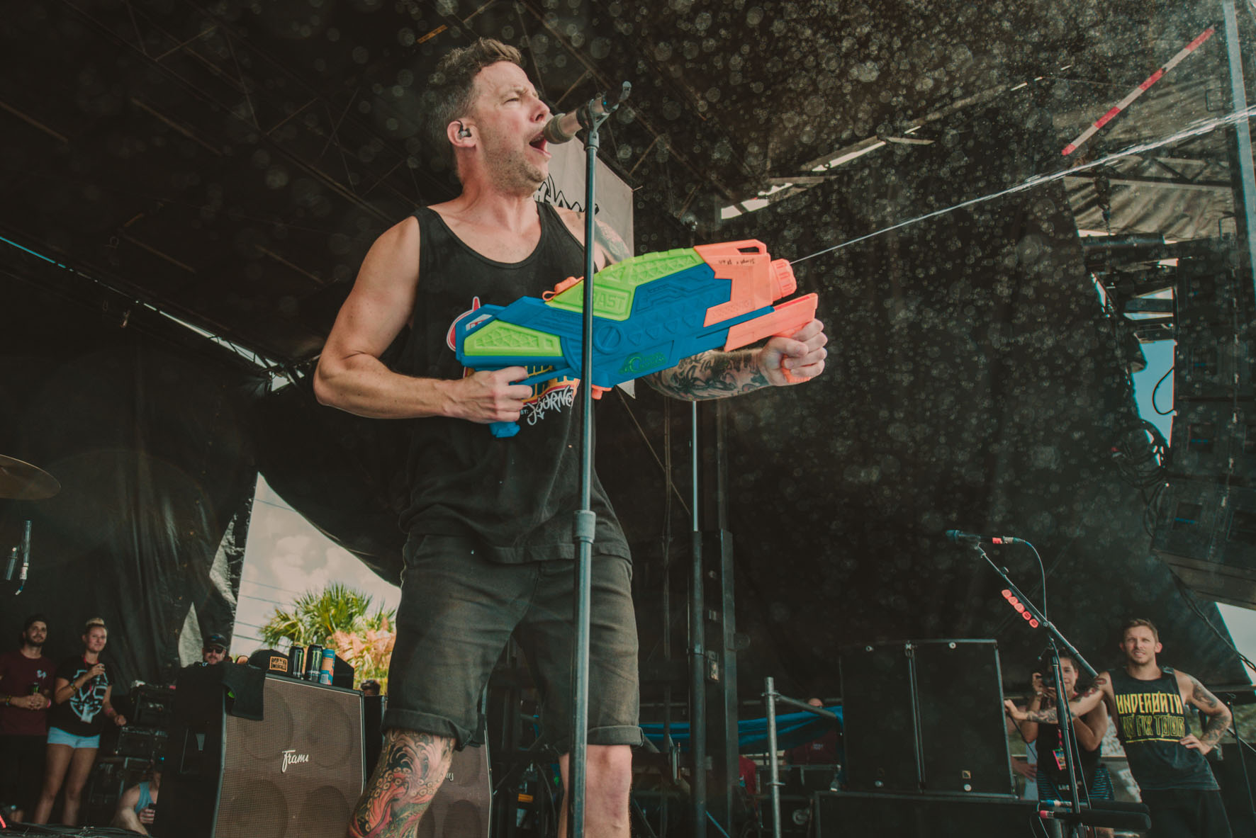 simple plan pierre bouvier crowd warped tour band concert rock photo photography image