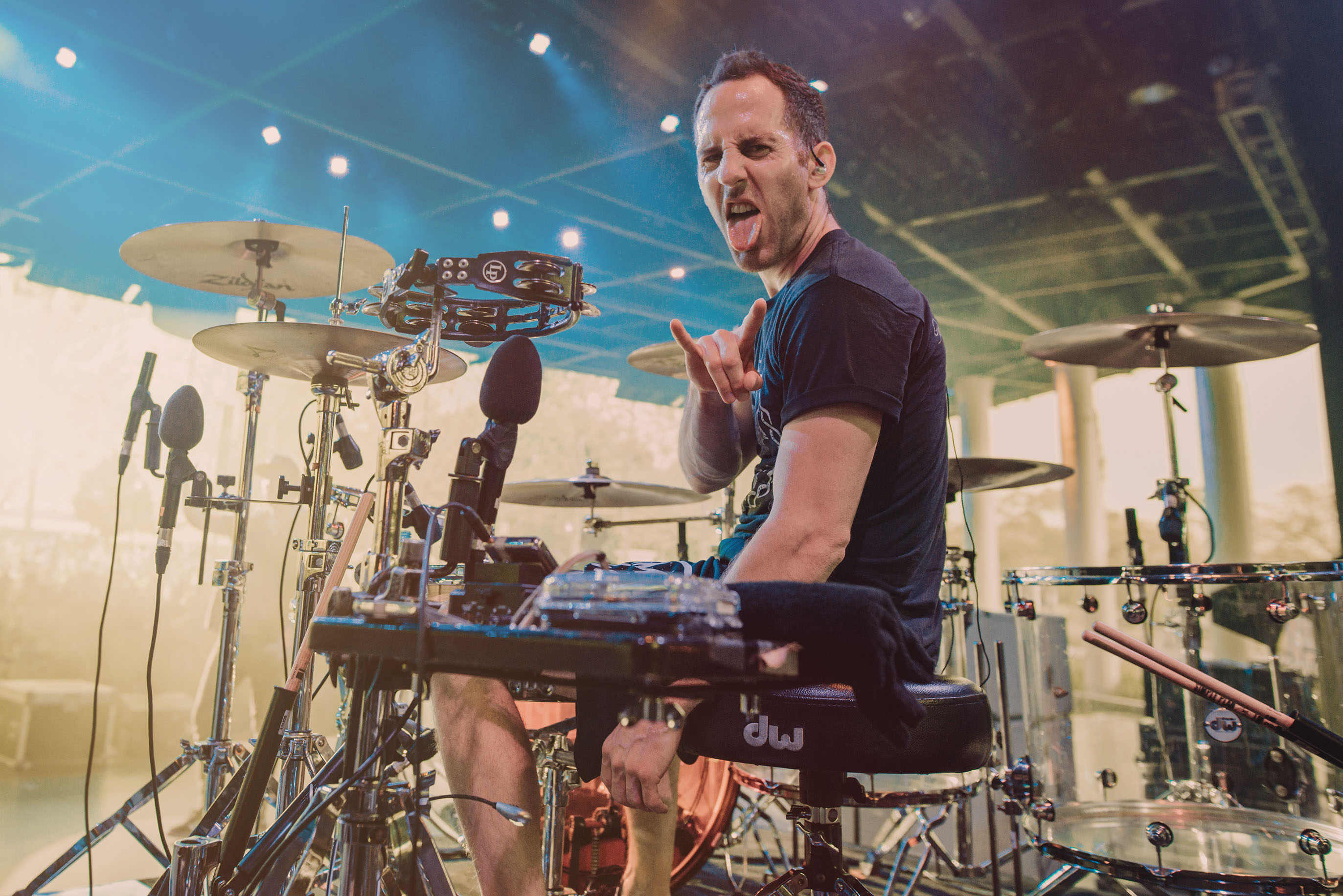 simple plan chuck comeau drummer disney garden rocks band concert rock photo photography image